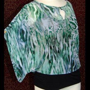 JENNIFER LOPEZ green kimono sleeve blouse M